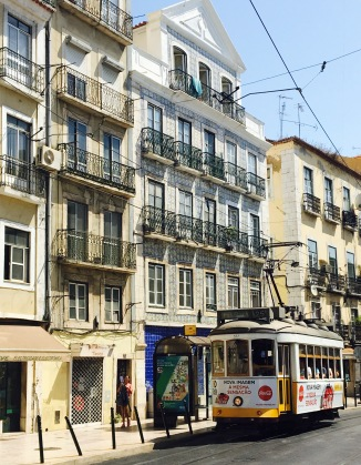 There can't be a Lisbon guide without a pic like this.